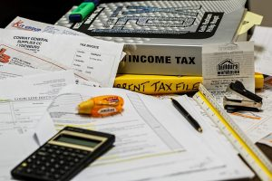 Which Executive Job Search Expenses Can I Deduct on My Tax Return?